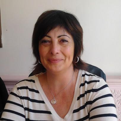 Aline Bossi 83